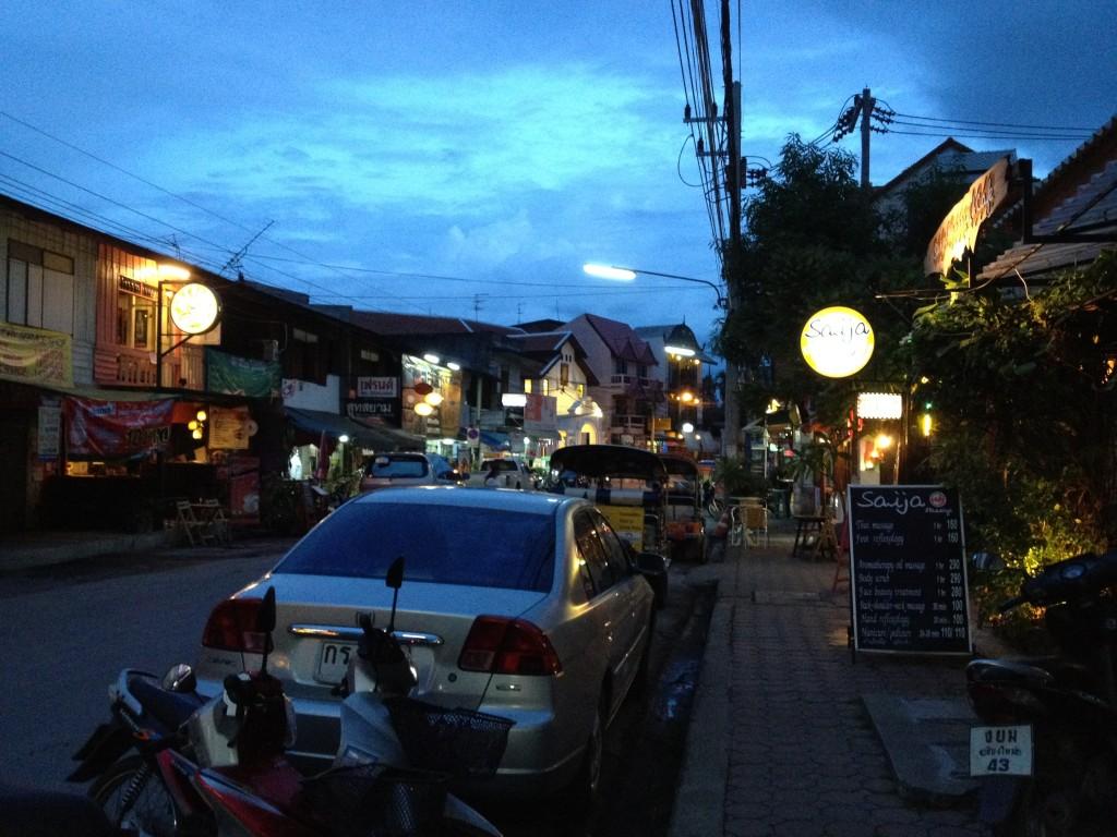 Chiang Mai, c̄hạn rạk khuṇ (I love you)